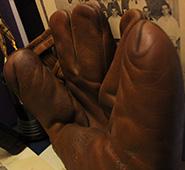 w_burcky_glove